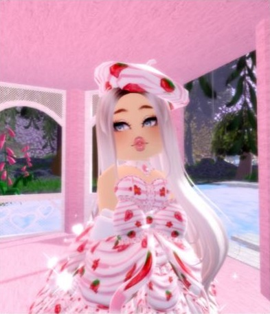 Royale High Strawberry Candy Outfit